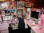 jonas-brother-hilarious-funny-office-prank-desk-covered-co-worker