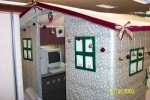 office-cubicle-turned-into-a-xmas-house-christmas-prank
